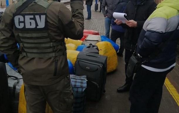 Сумских таможенников задержали за контрабанду из РФ