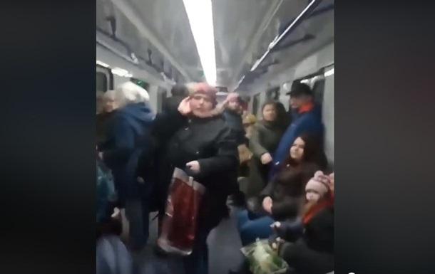 В метро Харькова произошла драка из-за попрошайки