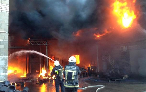 Пожежа на підприємстві під Дніпром локалізована