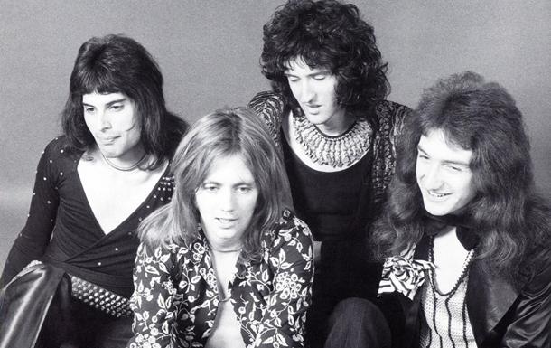 Умер первый бас-гитарист Queen