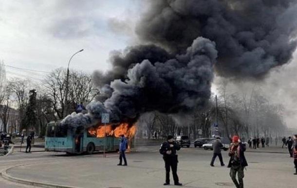 В Чернигове на маршруте сгорел троллейбус