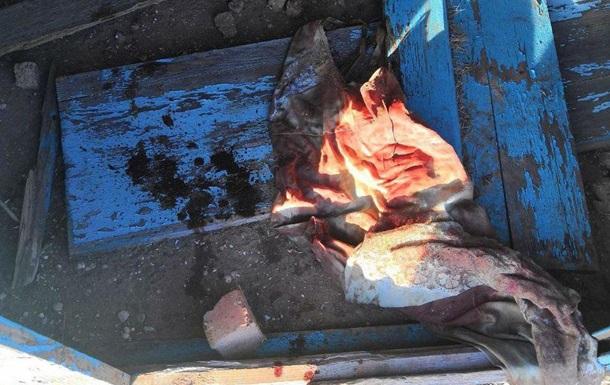 У Миколаївській області на пустирі виявили тіло немовляти