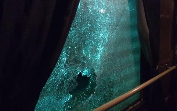 В Житомирской области забросали камнями поезд