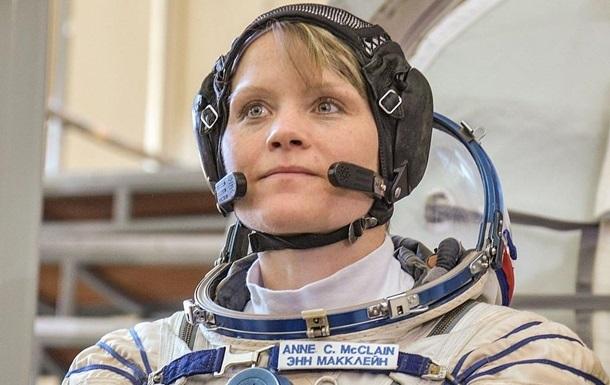 NASA готує перший вихід жінок у відкритий космос