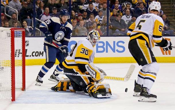 НХЛ: Каролина вырвала победу у Нэшвилла, Коламбус одолел Питтсбург