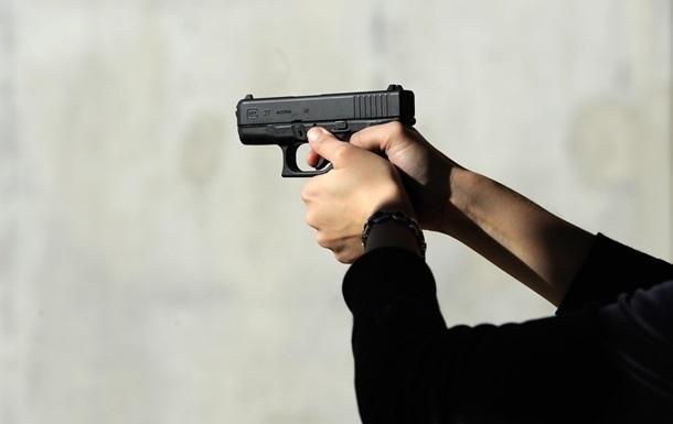 У Харкові чоловік відкрив стрілянину з балкона