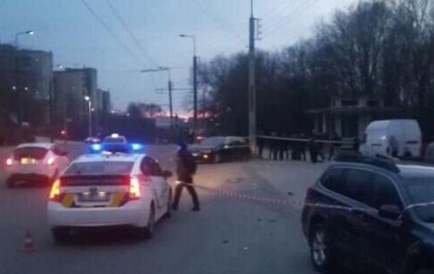 У Тернополі 13-річна дівчинка за кермом авто потрапила в ДТП