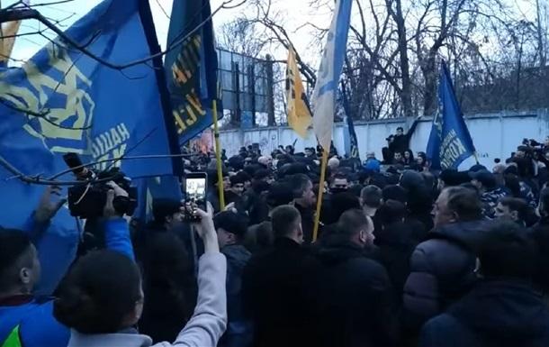 Зіткнення в Києві і Черкасах: поліція оголосила підозри трьом особам