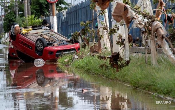 Ливни в Бразилии: 11 погибших, затоплен завод Mercedes