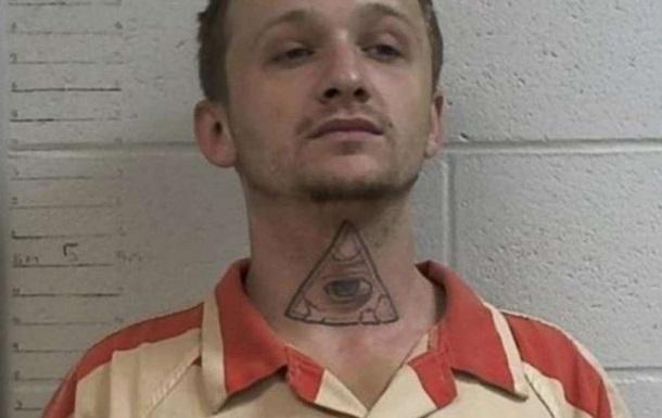 Ув язнений в наручниках викрав поліцейське авто і взяв заручницю