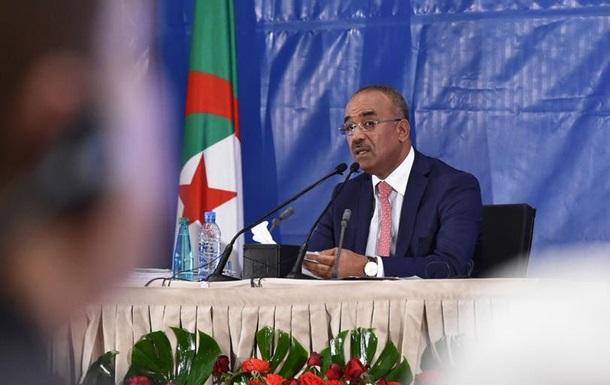 Прем єр Алжиру обіцяє уряд технократів за участі лідерів протестів
