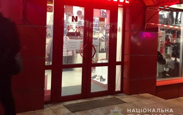 Под Киевом банда с автоматами ограбила ювелирный магазин