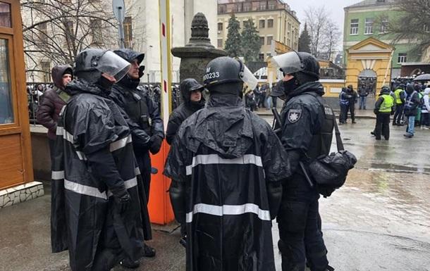 На акциях в Киеве около двух тысяч человек – МВД