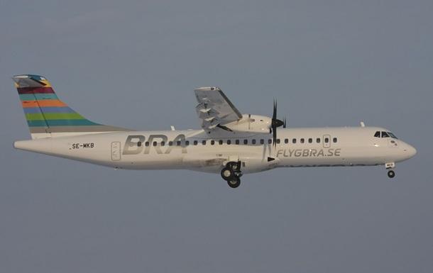 У Швеції у літака під час польоту загорівся двигун