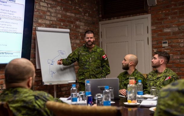 Канада продовжить військову місію в Україні - ЗМІ