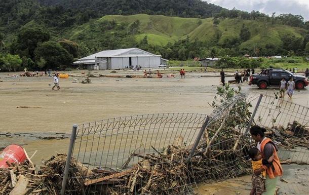 Наводнение в Индонезии: число жертв возросло до 77