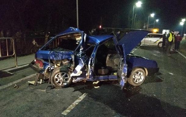 Во Львовской области в ДТП с грузовиком пострадали четыре человека