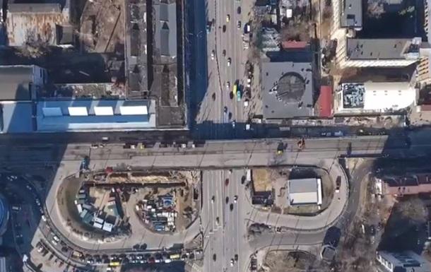 Демонтаж Шулявського мосту зняли з повітря