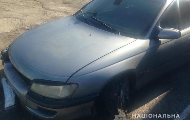 Під Києвом поліція відкрила вогонь по водієві, що штурхав патрульне авто