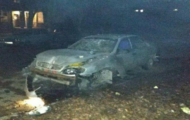 В Луганске подорвали автомобиль