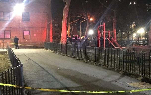 У Нью-Йорку чоловік стріляв по перехожих