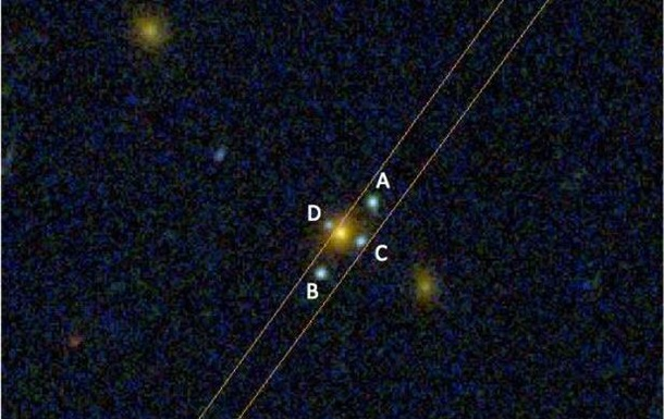 Hubble снял в космосе  крест Эйнштейна