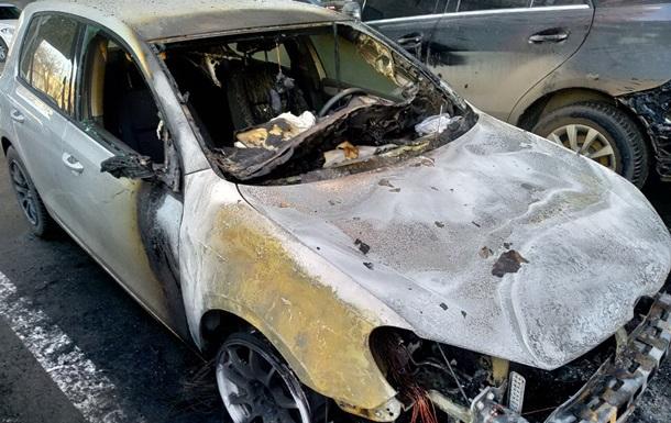 У Харкові за ніч згоріло сім автомобілів