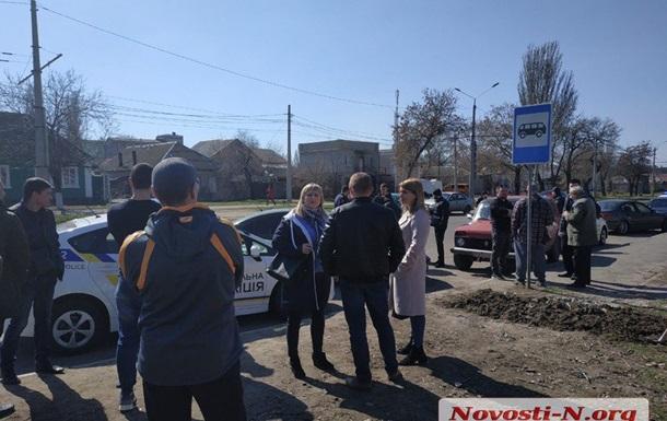 В Николаеве подрались полиция и  евробляхеры