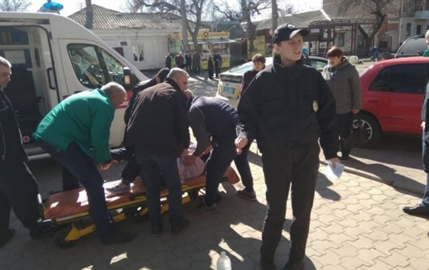 У Миколаєві напали на намети агітаторів, є постраждалі