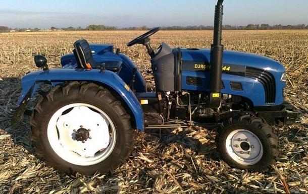 Поліція викрила шахраїв на продажу тракторів в Інтернеті