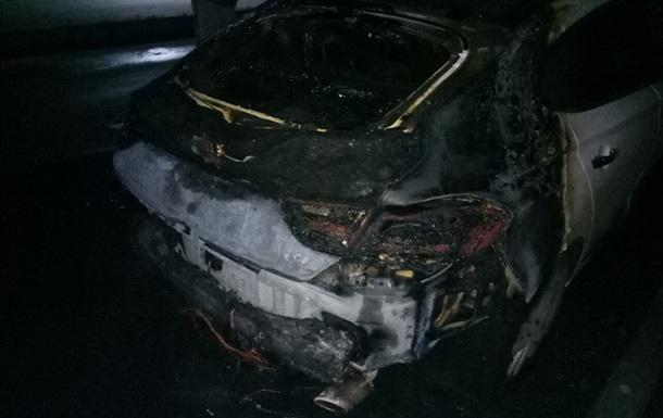 У Харкові вночі спалили автомобілі прикордонника і підприємця - ЗМІ