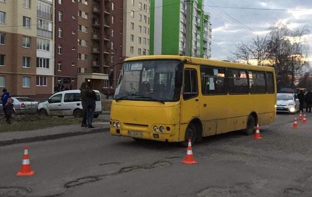 У Львові маршрутка на смерть переїхала десятирічну дівчинку