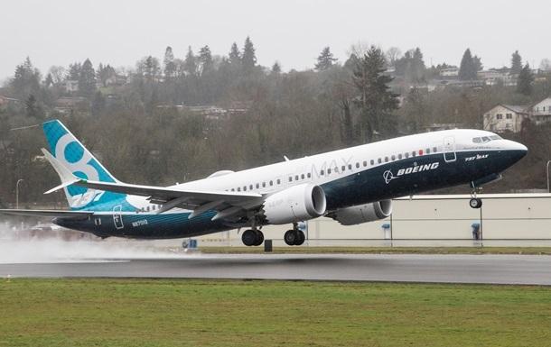 Boeing розробляє нове ПЗ для літаків 737 MAX