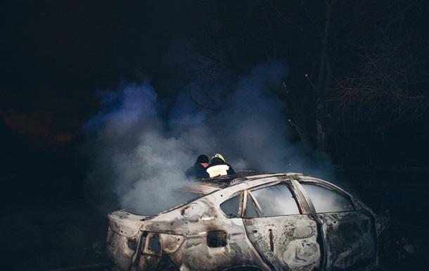 В Днепре дотла сгорели два BMW