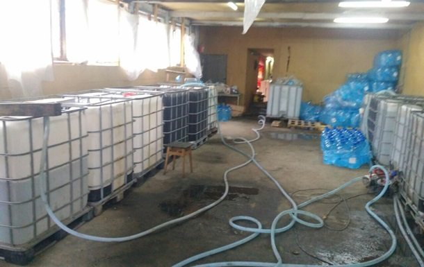 Под Киевом  накрыли  подпольный цех по производству суррогатного алкоголя