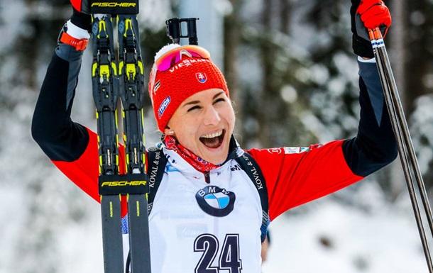 Биатлон: Кузьмина выиграла спринт в Холменколлене