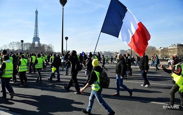 Во Франции более 20  желтых жилетов  приговорили к лишению свободы