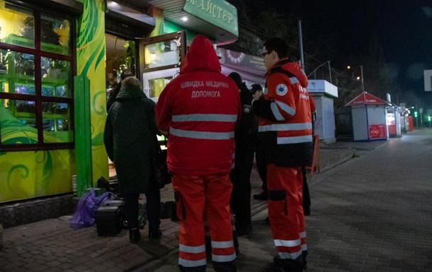 У Києві на роботі повісився продавець квітів