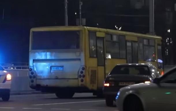 ДТП з маршруткою у Києві: в поліції повідомили подробиці
