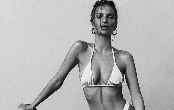 Модель Эмили Ратковски снялась в рекламе вина