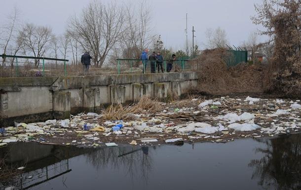 Київводоканал показав фото  чистої води , що йде в Дніпро