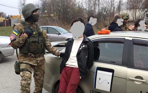 Во Львовской области задержали группу наркоторговцев