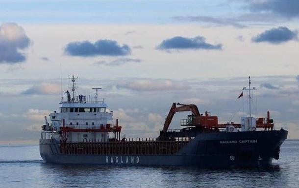 Біля Норвегії тоне вже друге судно