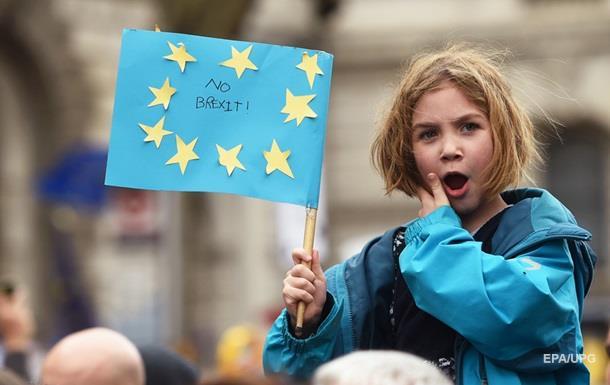 Петицію проти Brexit підписали понад 5 млн осіб