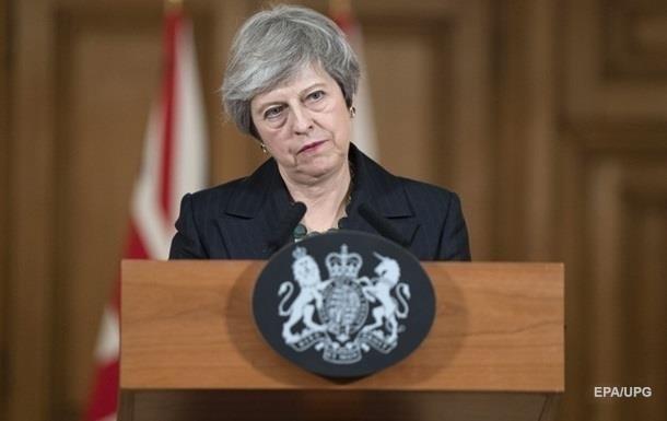 Мей закликали піти у відставку через Brexit