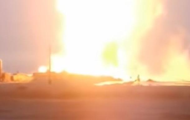 В Казахстане горит нефтяная скважина