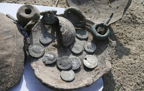 У Києві знайшли скарб зі старовинними монетами