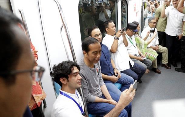 В Індонезії відкрили першу в країні гілку метро