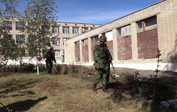 На Донбасі обстріляли дві школи - СЦКК