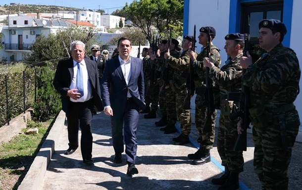 Прем єр Греції заявив про супровід винищувачами Туреччини його вертольота